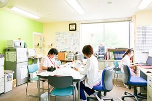 医務室 (4階)